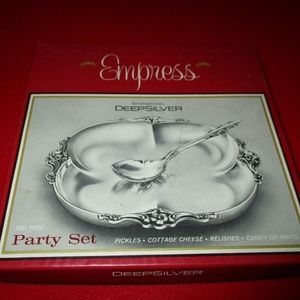 Vintage Empress silver plate party set in box